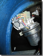 Wiper motor mounted behind fusebox and relays - Click for larger image
